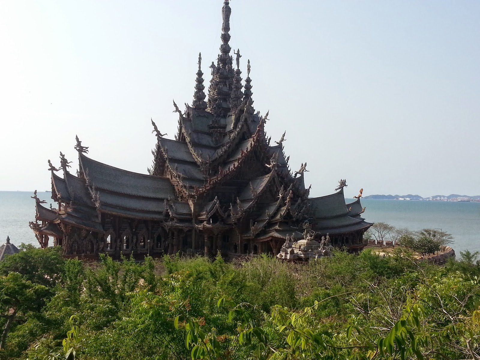Pattaya Tour to Sanctuary of Truth as the big teak wood building