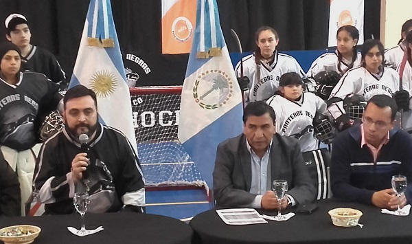 PRIMER TORNEO DE ROLLER HOCKEY EN CUTRAL CO