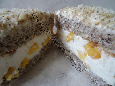 Ciasto orzechowe z masą brzoskwiniową