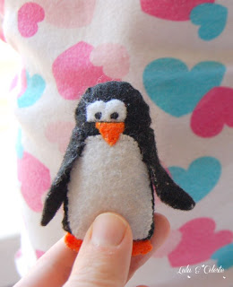 http://luluandceleste.blogspot.co.uk/2014/11/felt-penguin-ornament-or-toy-diy.html