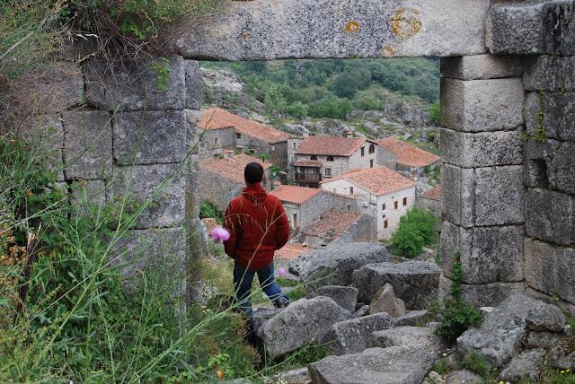Vista del pueblo de Trevejo desde el castillo