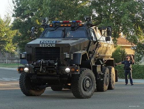 gsg9 1 87 unit sp ciale pourquoi les unit s d intervention swat de la police am ricaine sont. Black Bedroom Furniture Sets. Home Design Ideas