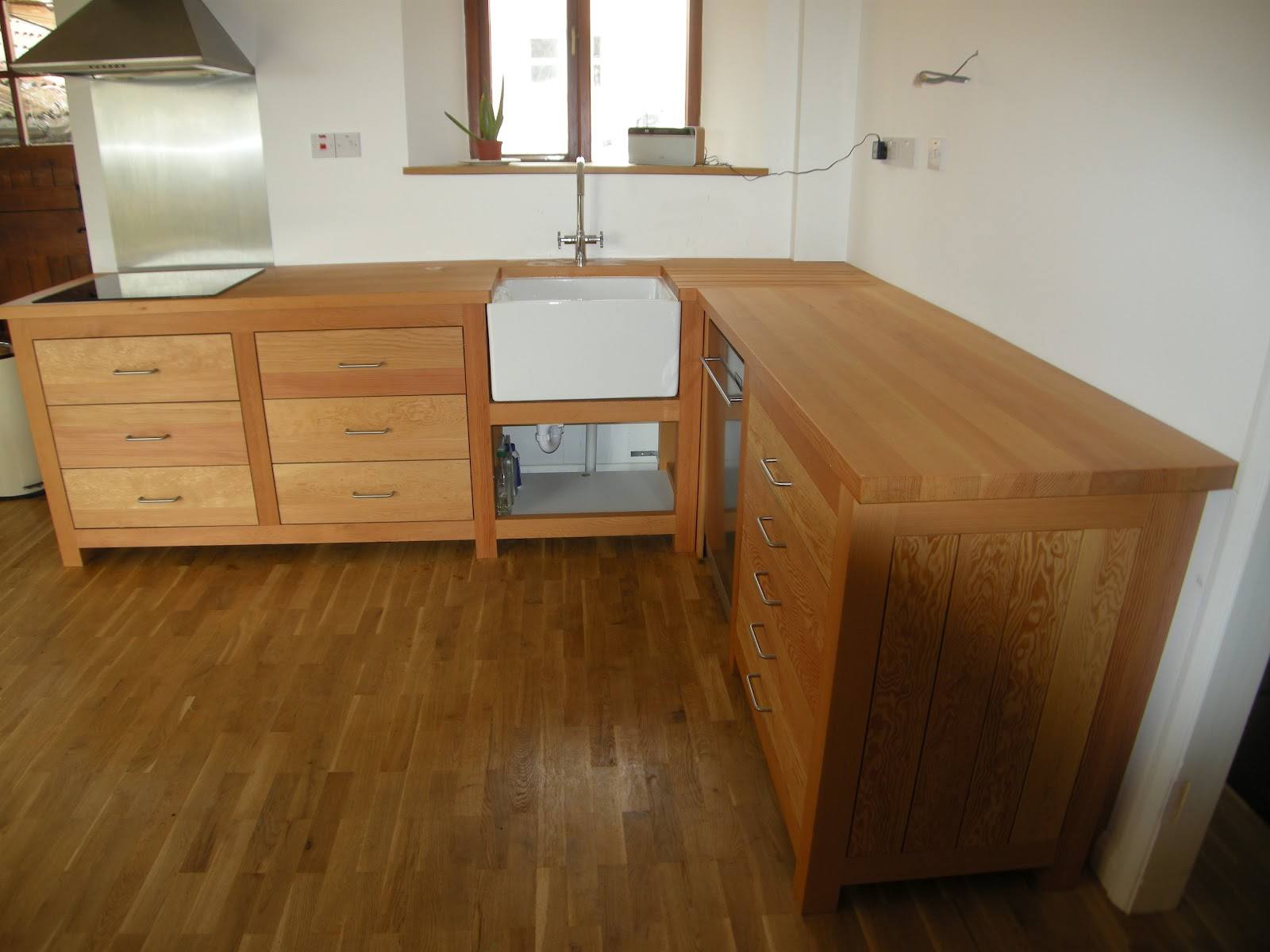 Squirrel Brand Joinery.: Free-standing Kitchen Units.