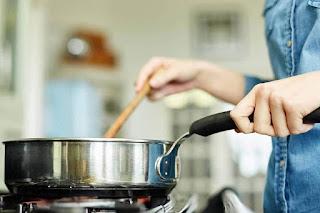لا تعيد تسخين هذه الأطعمه فقد تتحول إلى أطعمه سامة