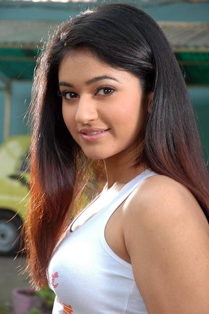 Poonam Bajwa Tamil Actress Biography Hot Photos