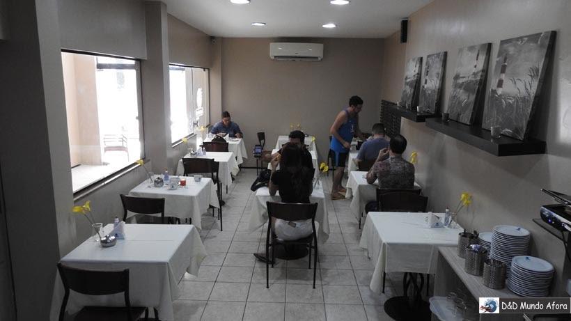 Onde ficar em Fortaleza - área do café da manhã do hotel Aquarius