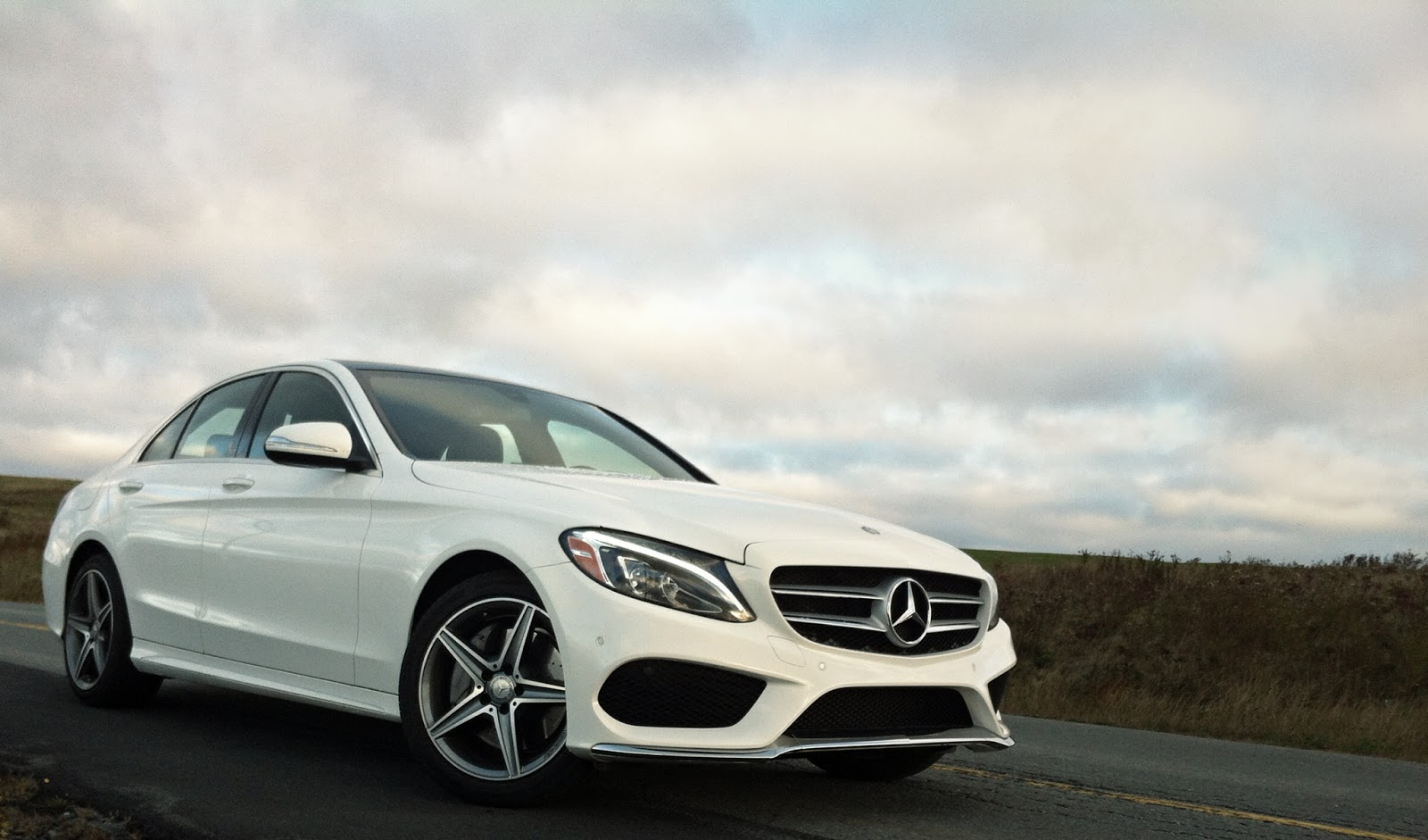 2015 Mercedes-Benz C400 4Matic white