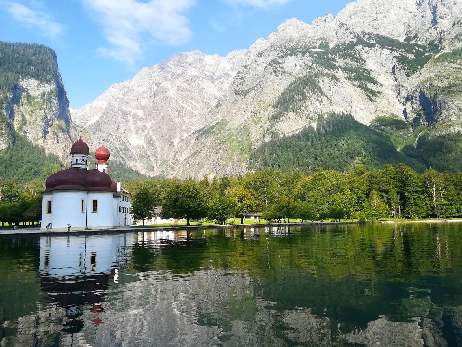 https://zplanembezplanu.blogspot.com/2018/07/jezioro-konigssee-bawarska-perelka.html