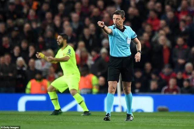 Tranh cãi MU - Barca Cúp C1: Có VAR, Barca vẫn thoát thẻ đỏ - penalty 1