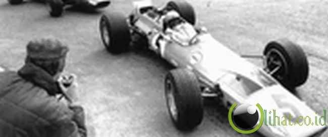 Bruce McLaren (FORMULA 1)