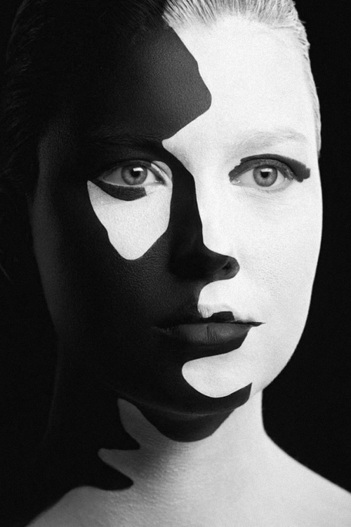 09-Alexander-Khokhlov-Black-&-White-Face-Painting-Photography