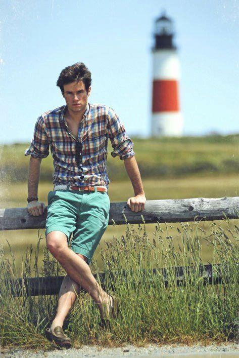 Usar Camisa Xadrez Masculino no Verão com Bermuda Verde