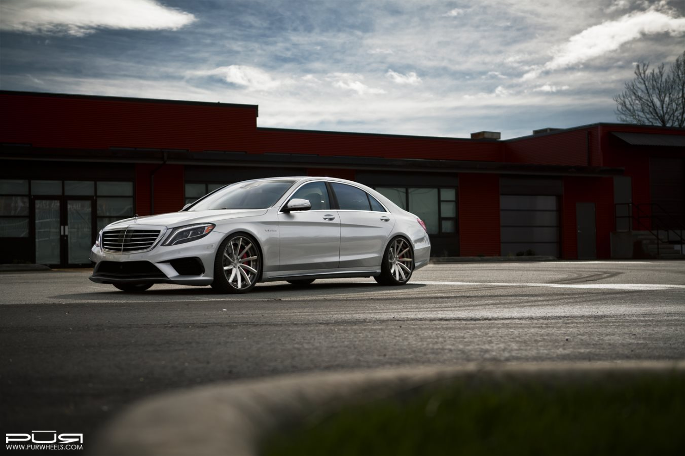 Mercedes benz w222 s63 amg on lx15 v3 pur wheels benztuning for Mercedes benz amg rims