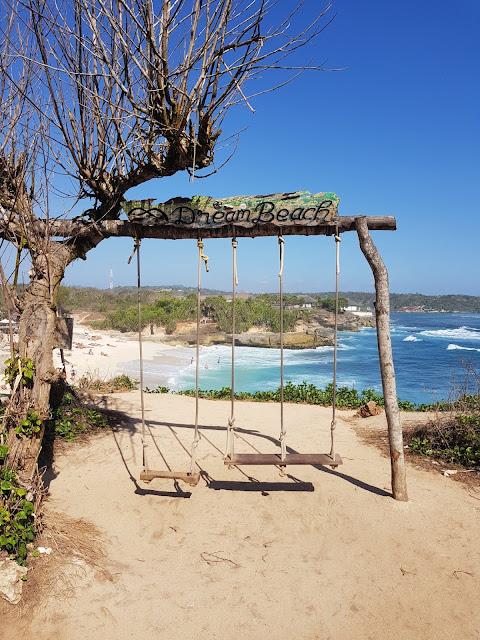 Dream beach Nusa Lembongan-Bali-Indonesia