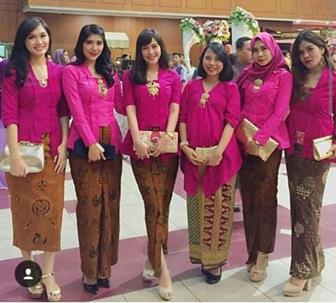 Seragam Kebaya Pesta Pernikahan Kombinasi Batik Terbaru