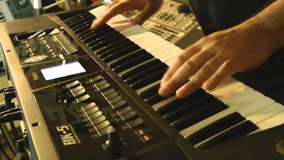 Đánh giá đàn organ roland BK5 cho nhạc công đi show