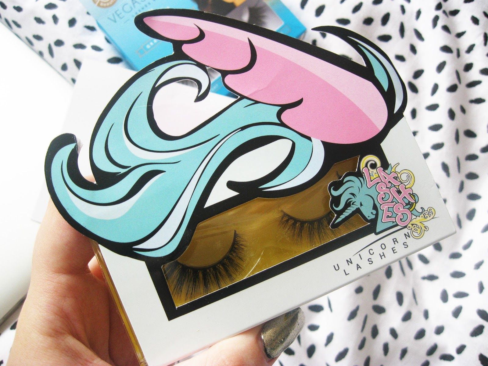 Unicorn Lashes Mink Rebel Smoke