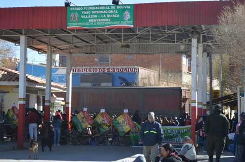 Suspenden la TVF por dos meses y bloqueos persisten en Villazón