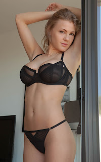 Sexy Adult Pictures - Viola%2BBailey-S01-011.jpg