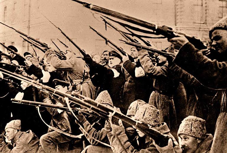 A revolução russa de 1917 inaugurou a era dos grandes morticínios igualitários e anticristãos