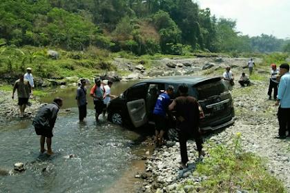 Jalan Raya Menuju Magelang Diblokade Aparat Kepolisian, Massa Umat Islam Harus Lewati Sungai dan Semak Belukar
