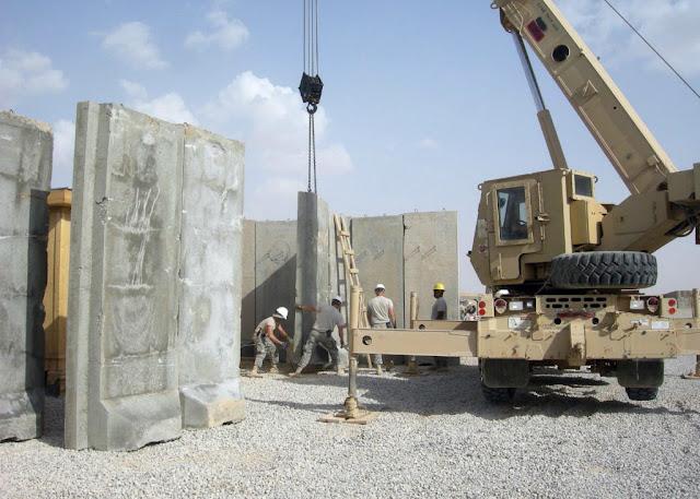 Τοποθέτηση Τ-τοίχων εντός στρατοπέδου