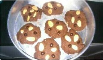 Cookies Coklat Almond - Bumbu Emak