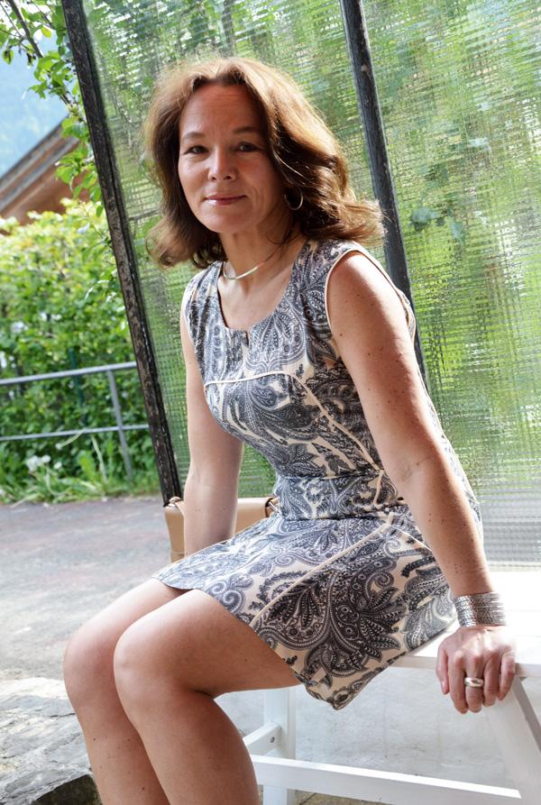 Laura prepon nude toes