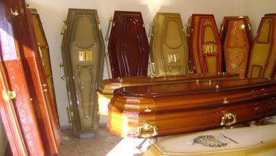 Prefeitura e a máfia dos caixões