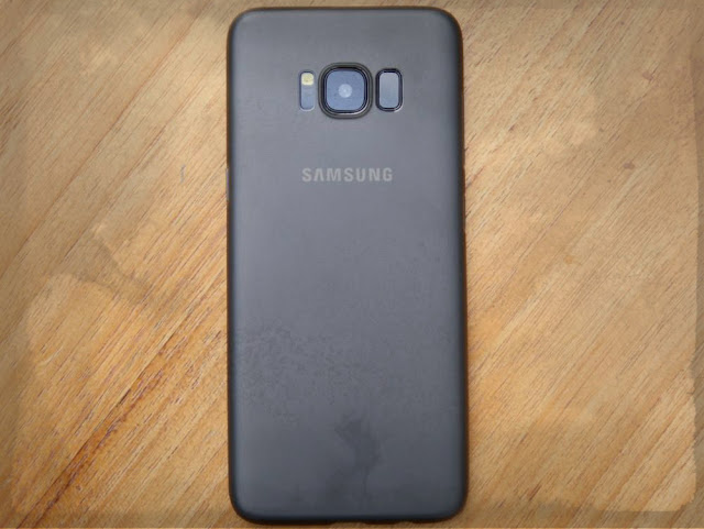 Samsung Galaxy S8 Plus Review and Photo