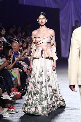 "Banging Start to Lakme Fashion Week Summer/Resort 2016 with Manish Malhotra's ""Elements Collection"""