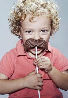 Paleta de chocolate con forma de bigote