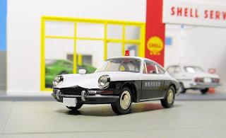 Tomica Limited Vintage Porsche Patrol Car police