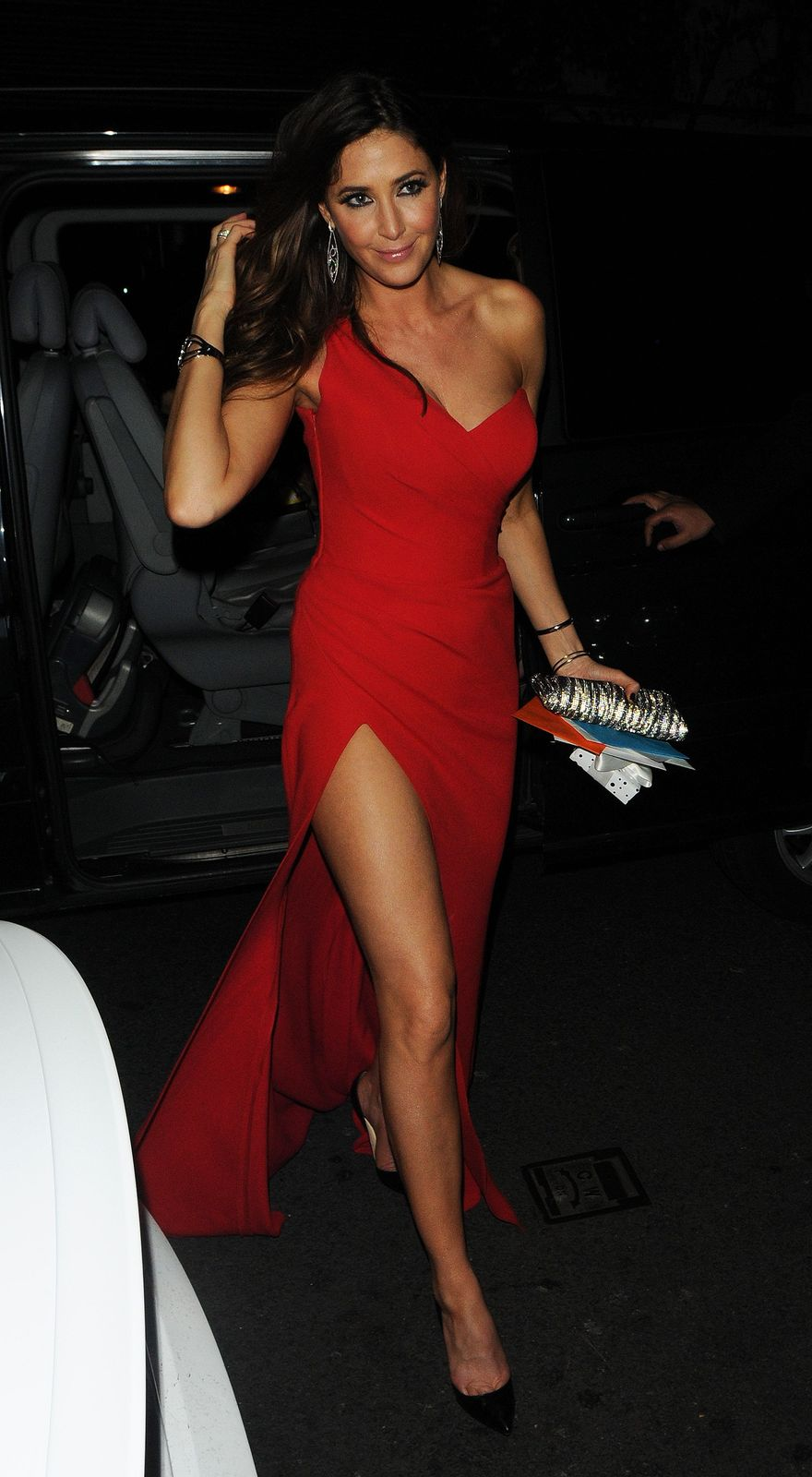 """foto de """"Lisa Snowdon"""" Luks Fabulously Leggy in Red Outfits Watch Latest Movies Trailer Online"""