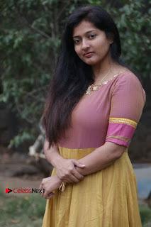 athri Raguram Stills at Yathumaki Nindraai Press Meet  0005.jpg