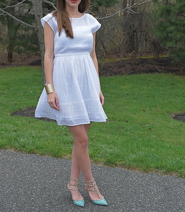 wearing Old Navy White Lace Detail Gauze Dress, Teal Valentino Rockstud heels