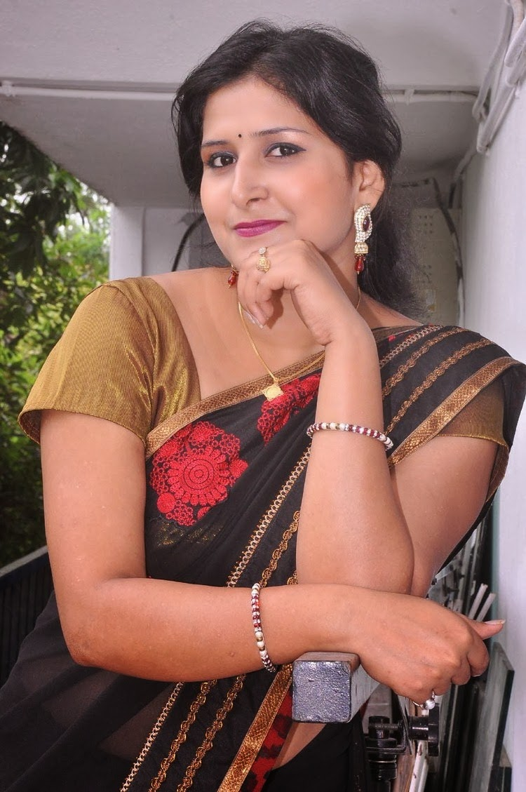 Mallu Aunty Hot Navel Show Hd Photos In Sareemallu Navel -9458