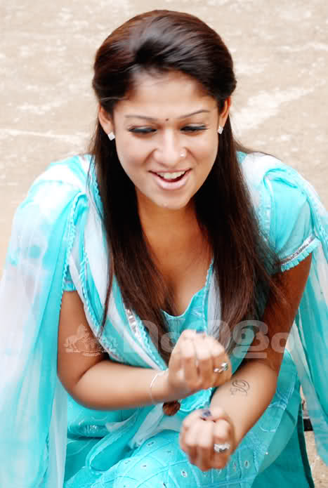 Nayanthara hot boobs show