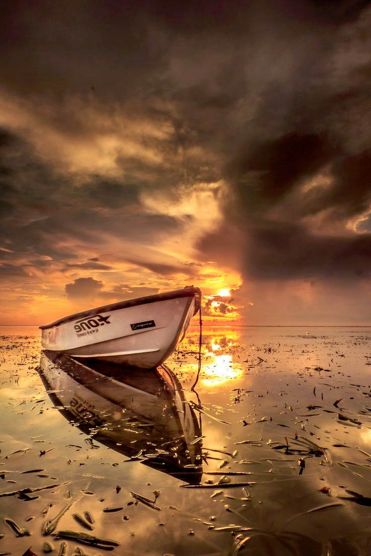 10 Places You Shouldn't Miss in Indonesia | Lonesome Boat golden sunrise morning seascape, Denpasar, Indonesia 03
