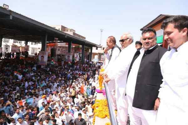 lakhan-kumar-singla-parivartan-rally-sector-16-hooda-azad-happy