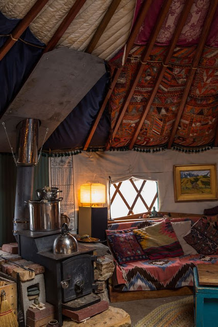 Moon To Moon The Cosy Yurt Home Of Alexandra Fuller