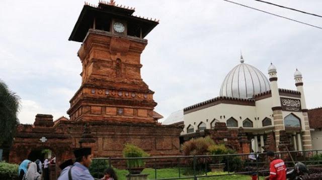 Sunan Kudus Larang Korban Sapi Karena Jaga Perasaan Umat Hindu, Berani Tuduh Liberal?
