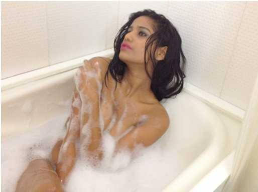 poonam pandey nude photoshoot