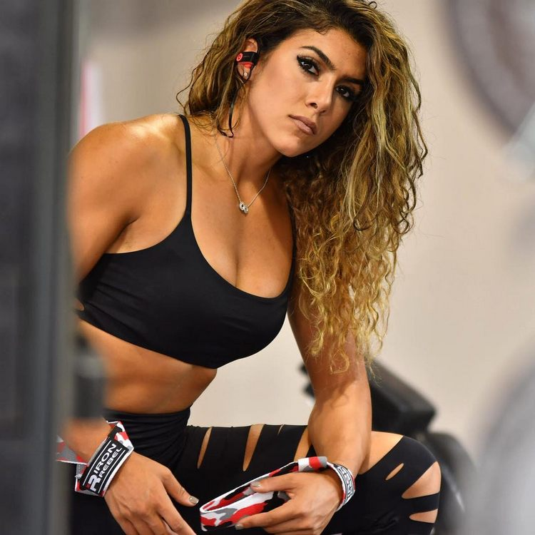 Heba Ali is a fitness athlete and Hybrid Trainer
