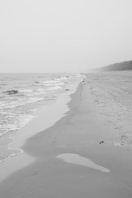 Fotografia krajobrazu nadmorskiego. Jantar, plaża. fot. Łukasz Cyrus