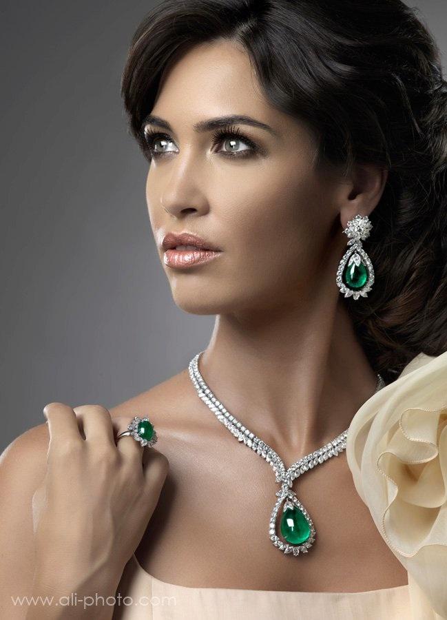 Yessayan jewelry facebook