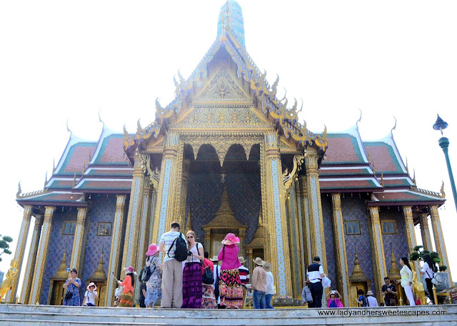 dress for Bangkok Grand Palace