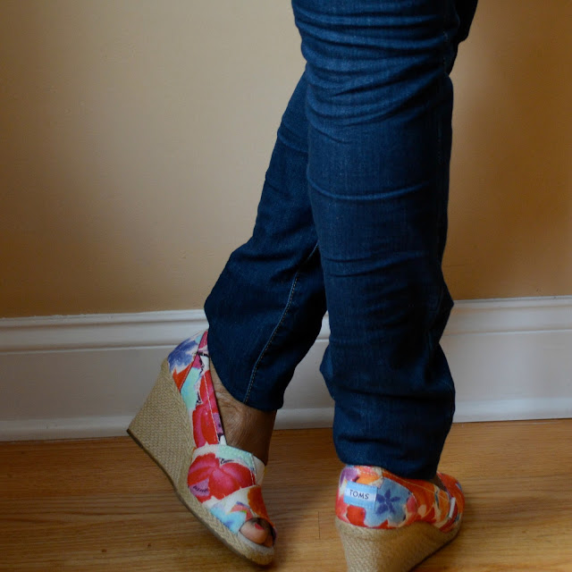 jeans with floral toms wedges