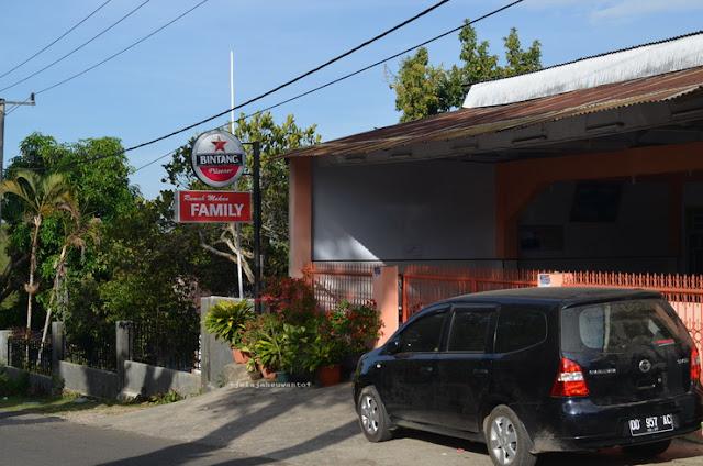 Rumah Makan Family di Kawasan Penginapan Malino || JelajahSuwanto