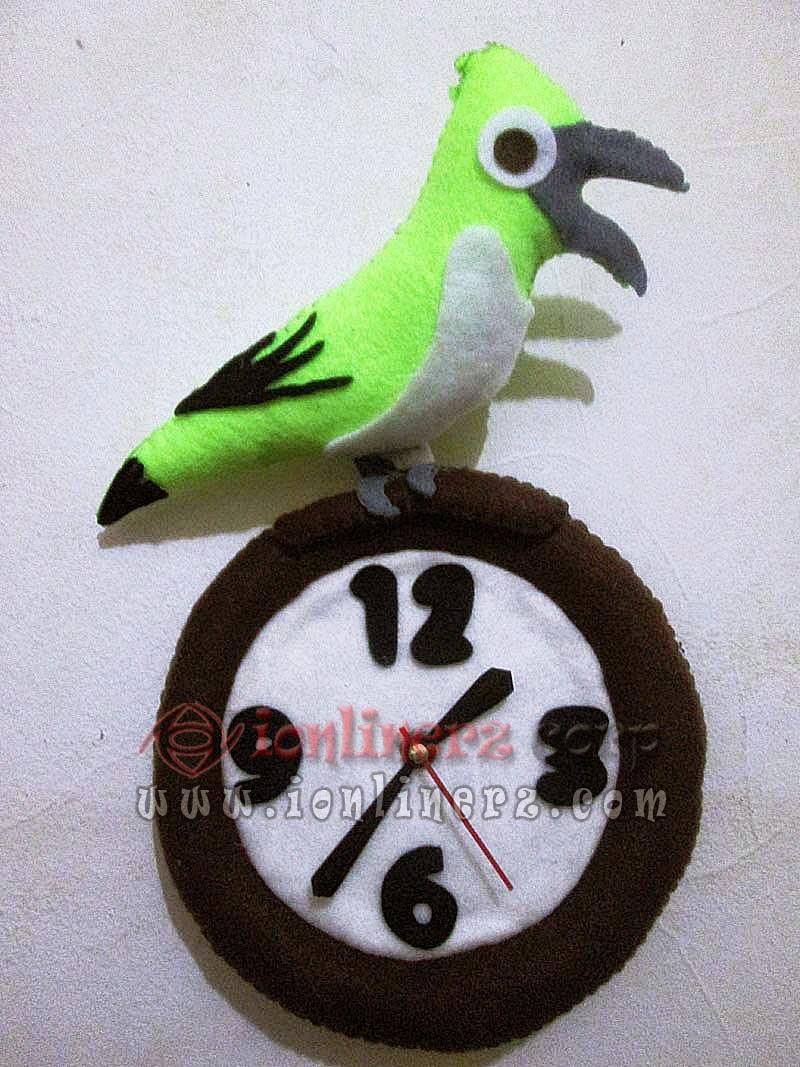 Jam Dinding Flanel Karakter Kartun Boneka Burung / Bird